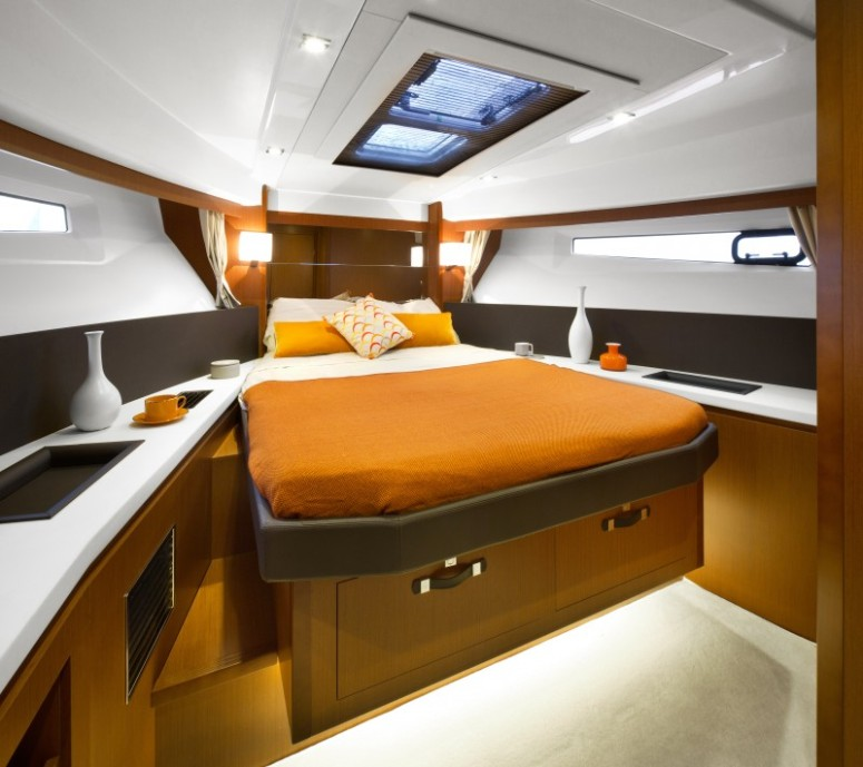 Great owner's cabin forward for the master of the ship. You won't see this on your average trawler!