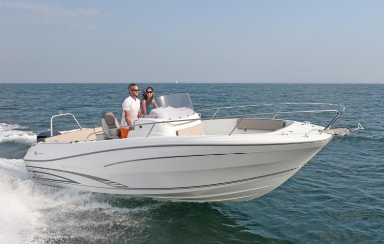 boat-7.5CCs2_exterieur_2014090410410244